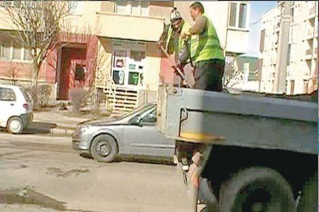 gropi_in_asfalt_astupate_cu_moloz