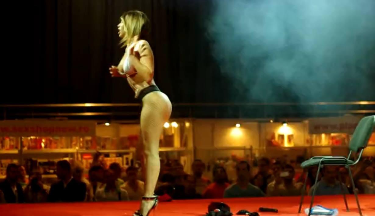 erotic_show
