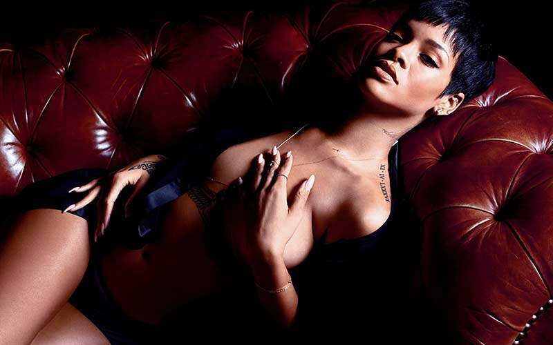 Rihanna-smoking-hot-for-GQ-rihanna-32876436-2560-1600